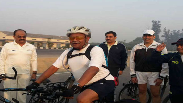 retired officer, indian army, Martyrs, cycles, india, 29 states, delhi, ambala, india gate, India News