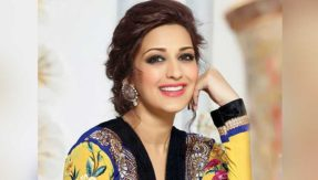 Sonali Bendre Photos: 35 hot, sexy and beautiful photos of Sonali Bendre