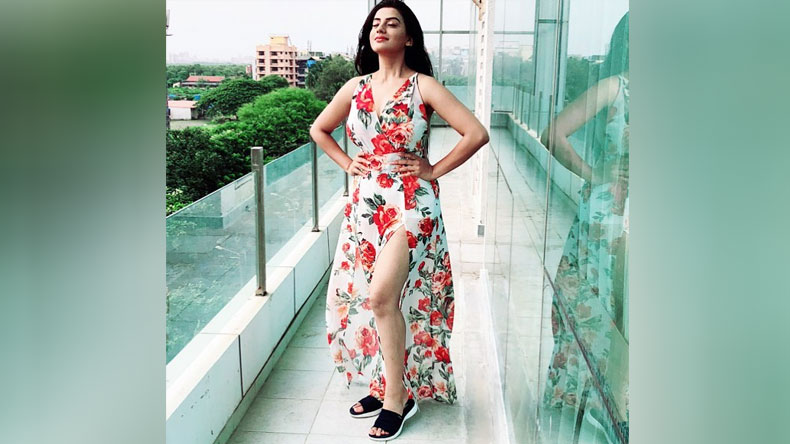 Bhojpuri-Sensation-Akshara-Singh-long-off-white-gown-is-like-a-breath-of-fresh-air-in-latest-Instagram-post