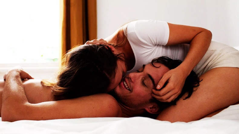 these bad habits can destroy your sex life, here the solution for best romantic life