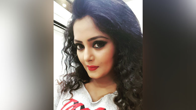 anjana singh latest selfy fire on social media
