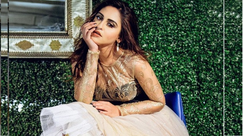 Tv actress Krystle Dsouza look too hot in her latest Instagram photo