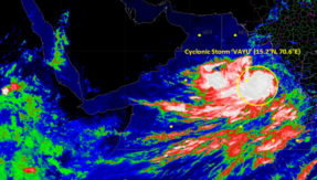 Cyclone-Vayu-to-Hit-Gujarat-Cost