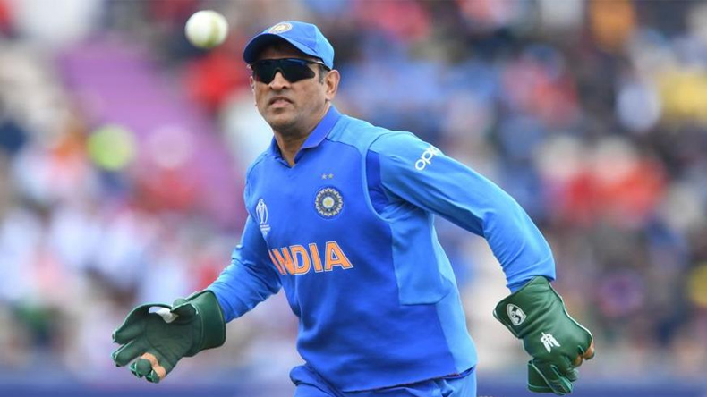 MS Dhoni Gloves Army Insignia Controversy Social Media Reactions
