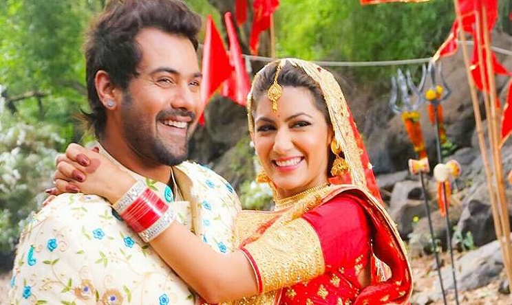 Kumkum Bhagya 23 August 2019 Full Episode Written Update: abhi decided to meet prachi's mom